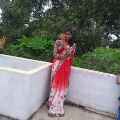 Beautiful Girl Indian, Beautiful Women, Most Beautiful Bollywood Actress, Girl Face, Packers, Desi, Saree, Actresses, Beauty