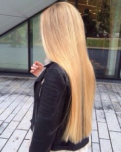 Long blonde straight hair ♡ ♥ Pinterest : Elisa Gyn