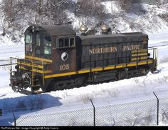 RailPictures.Net Photo: NP 105 Northern Pacific Railway EMD SW1200 at Saint Paul, Minnesota by Andy Inserra