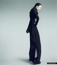 'Fragile Fetus' Fashion Collection // Tanne Vinter | Afflante.com