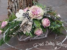 "Blog Kwiaciarni ""Pod Żółtą Różą"" » 2015 » Listopad Black Flowers, Silk Flowers, Dried Flowers, Christmas Flower Decorations, Christmas Arrangements, Beautiful Flower Arrangements, Floral Arrangements, Beautiful Flowers, Grave Flowers"