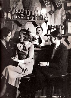 Lesbian Bar in Paris - Au Monocle avec Lulu de Montparnasse, Paris, c1932 - by Brassai