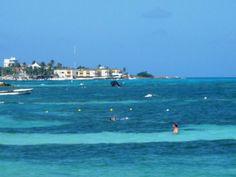Espectacular fotografia de San Andrés..ya me veo allá metido en medio del mar, gozando del viento y del colorido
