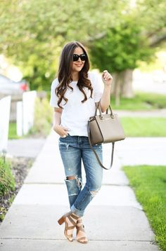 Throw on some boyfriend jeans, a crisp blouse and some great block heel sandals - you're ready to go!
