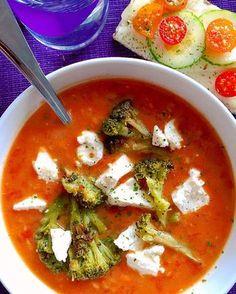 お腹にじんわりと染み渡るスープ。 季節のお野菜を入れて、身体が欲する食材を入れて、コトコト煮込むだけ。  比較的お手軽に作れるのもスープのいいところですよね。
