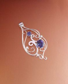 Drop of Fate pendant - Click Image to Close