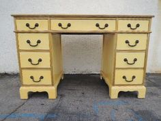 Connecting buyers and sellers of vintage Furniture Custom Furniture, Vintage Furniture, Painted Furniture, Vintage Modern, Mid-century Modern, Yellow Desk, Wood Construction, Office Desk, Entryway Tables