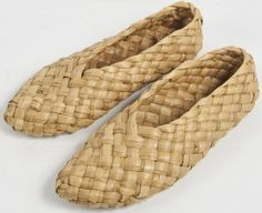 Flax Weaving, Willow Weaving, Weaving Art, Basket Weaving, Paracord Projects, Weaving Projects, Diy Arts And Crafts, Handmade Crafts, Leaf Crafts