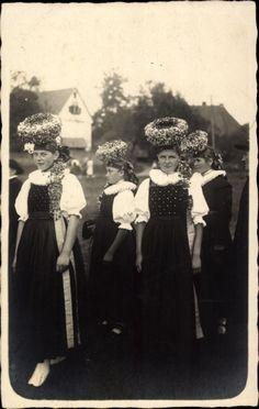 Foto Ak Gutach Baden, Schwarzwaldtrachten, Gruppe von Frauen