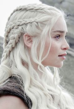 Find images and videos about Queen, game of thrones and emilia clarke on We Heart It - the app to get lost in what you love. Mother Of Dragons, Emilia Clarke, Queen, White Hair, Hair Goals, Hair Inspiration, Wedding Hairstyles, Daenerys Targaryen, Hair Makeup