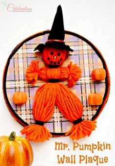 Mr. Pumpkin Wall Plaque - easy and quick little guy just oozes autumn charm!