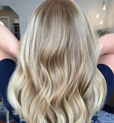 Fancy a change? Check out 12 stunning hair examples of balayage that will inspire you to embrace hand painted highlights! | All Things Hair - From hair experts at Unilever