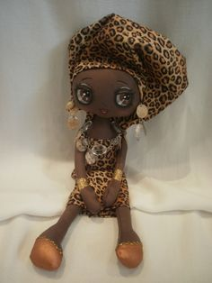 An African Queen by Lesley Jane Dolls...my smile keeps gettting bigger...you are so talented!!