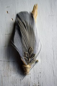 Savoir Weddings: Feather boutonnieres from Pomp and Plumage
