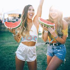 Happy bc watermelons  Tag a best friend below  : @sam_dameshek