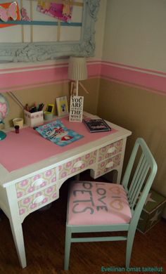 DIY Tyttären itse tuunaamaa tuoli. Vanity, Diy, Furniture, Home Decor, Dressing Tables, Powder Room, Decoration Home, Bricolage, Room Decor