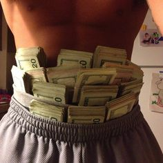 I'm a rich and powerful money magnet Show Me The Money, How To Get Money, Ganja, Money Pictures, Money Images, Money Stacks, Mo Money, Glamour, Investing Money