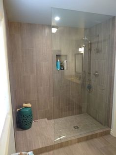 Gorgeous 75 Fresh and Cool Master Bathroom Remodel Ideas on A Budget https://decorapatio.com/2017/07/28/75-fresh-cool-master-bathroom-remodel-ideas-budget/