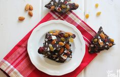 Sea-Salt Trail Mix Bark & A Holiday Gift Guide   Lexi's Clean Kitchen