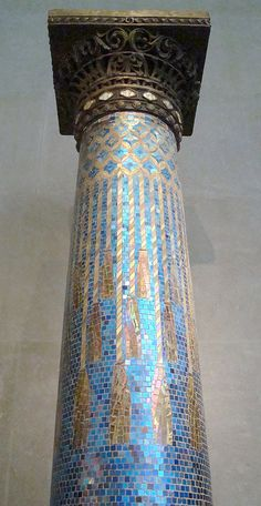 Mosaic Column by IslesPunkFan, via Flickr