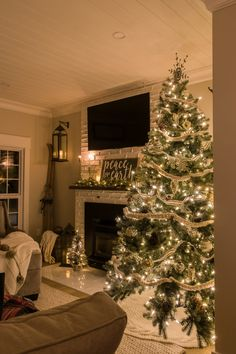 Cozy Farmhouse Christmas Home Tour at Night. Cozy Farmhouse Christmas Home Tour at Night - making it in the mountains. Because there's just nothing cozier this time of year than a farmhouse Christmas home tour all lit up at night! Farmhouse Christmas Decor, Outdoor Christmas, Christmas House Decorations, Tree Decorations, Living Room Decor For Christmas, How To Decorate For Christmas, Outside Xmas Decorations, Indoor Christmas Lights, Fireplace Decorations