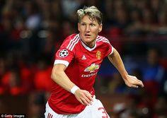 Manuel Neuer says Manchester United should playBastian Schweinsteiger this season