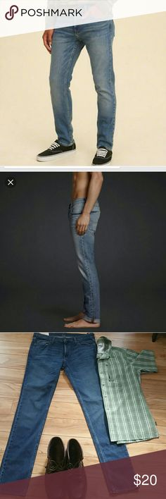 Hollister skinny jeans size 34/36 Designed with a super skinny fit through the hip and thigh, these comfortable jeans feature authentic fading and whiskering, five-pocket styling and iconic back pocket embroidery Jeans Skinny