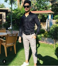 Ur black my weekness❤🔥👈👍 Mtv Splitsvilla, Niti Taylor, Herren Outfit, Actors, Mens Fashion, Celebrities, Casual, Model, Pants