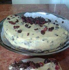 Tort Stracciatella cu crema mascarpone si ciocolata | Savori Urbane Tiramisu, Pudding, Ice Cream, Cake, Ethnic Recipes, Desserts, Food, Mascarpone, No Churn Ice Cream