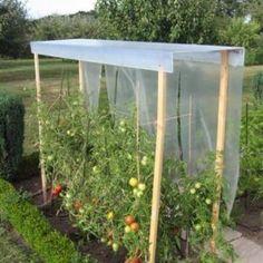 26 Ideas Diy Garden Planters Grow Tomatoes For 2019 Garden Trellis, Garden Planters, Garden Beds, Tomato Trellis, Small Vegetable Gardens, Vegetable Garden Design, Design Jardin, Greenhouse Gardening, Garden Shop