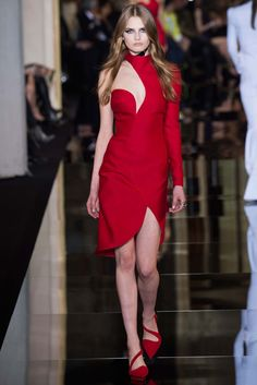 Atelier Versace | Spring/Summer 2015 Couture via Donatella Versace | Modeled by Aneta Pajak | January 25, 2015
