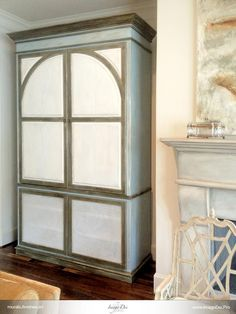 Multi Layer Hand Rubbed Distressed Chalk Paint Finish