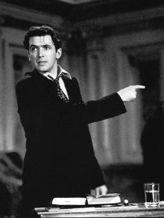 Jimmy Stewart in Mr. Smith Goes to Washington Old Hollywood Actors, Golden Age Of Hollywood, Classic Hollywood, Hollywood Icons, Hollywood Stars, Classic Movie Stars, Classic Movies, Old Movies, Great Movies