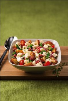 Serve up some inspiration with this Fresh Mozzarella Roasted Potato Salad recipe from Galbani Cheese. Roasted Potato Salads, Roasted Potatoes, Side Dish Recipes, Side Dishes, Lemon Green Beans, Fresh Mozzarella, Cherry Tomatoes, Pasta Salad, Stuffed Peppers