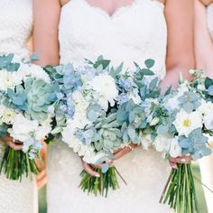Blue Wedding Flowers Stunning Charleston Plantation wedding in lovely shades of soft blue and green with touches of burlap and gold Blue Wedding Flowers, Green Wedding, Spring Wedding, Gold Wedding, Floral Wedding, Wedding Colors, Wedding Themes, Wedding Day, Artificial Wedding Flowers