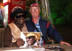 MDBF - Momento em que entregávamos um livro a Mr. Bob Stroger com suas fotos, em suas apresentações nos últimos 05 anos.