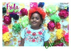 A semana começa colorida! No esquenta para o carnaval, as cores de Frida!  Headband Frida! Trança em tiras de malha e flores feitas a mão. Á venda (R$ 22,00).  #handmade #feitoamao #lalyblue #frida #carnaval #blocos #fantasia
