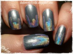 Silver holo skyscrapers (Nail Art)