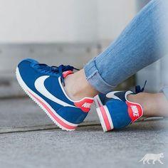 "2be8466fd65 GIRLSONMYFEET on Instagram  ""🔷♢ Nike Wmns Classic Cortez by   asphaltgold sneakerstore ・・・  Nike  cortez  nikecortez  nikeclassic   nikevintage ..."
