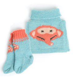 Strikkepakke med sokker og hals i økologisk ull. Dette er et samarbeid mellom NRK og A Knit Story. Etisk handel og bærekraftig produksjon. Gloves, Winter, How To Make, Threading, Creative, Winter Time, Mittens, Winter Fashion