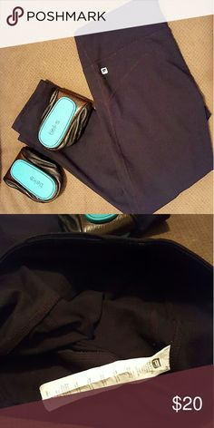 S FABLETICS CAPRIS *black yoga capris *size small *euc *perfect for running errands or working out *comes from a smoke-FREE home Fabletics Pants Capris