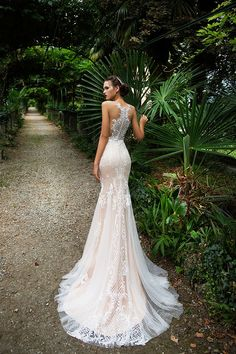 Milla Nova Bridal Wedding Dresses 2017 / http://www.himisspuff.com/milla-nova-bridal-2017-wedding-dresses/32/