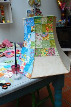 Furniture Decoupage: ideas and master classes to create a Shabby-chic and Provence - Diy and crafts interests Home Crafts, Diy And Crafts, Summer Crafts, Craft Ideas For The Home, Upcycled Crafts, Fun Crafts, Repurposed, Diy Luminaire, Craft Projects