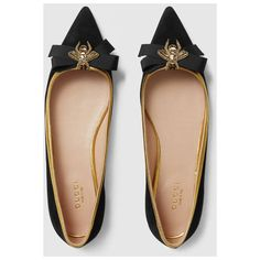 Gucci Suede Point Toe Flat (€635) ❤ liked on Polyvore featuring shoes, flats, black suede flats, flat shoes, pointed toe bow flats, black flat shoes and gucci flats