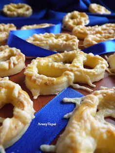 AranyTepsi: Sós finomságok egy kosárban Onion Rings, Party Snacks, Winter Food, Macaroni And Cheese, Waffles, Bakery, Pie, Favorite Recipes, Breakfast