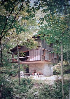 Junzo Yoshimura The mountain villa in Karuizawa|軽井沢の山荘 吉村順三 Karuizawa, Residential Architecture, Interior Architecture, Fantasy House, Small Buildings, Japanese House, Built Environment, House In The Woods, Exterior Design