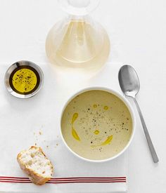 Creamed salt cod and roast garlic soup (Zuppa di baccalà mantecato) :: Gourmet Traveller