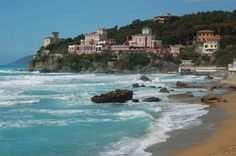 Best beaches in Tuscany: Castiglioncello, near Livorno, is a gem along the Tuscan coast. Situated on a cliff, it is a small but lovely resort with plenty of rocky beaches. The water is all the more blue and clear as the sand is less fine. It is easily reachable by train from Florence.