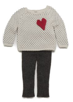So fantastic and simple. Perfect gift for friends kids. Maybe seed white/fisherman chunky wool in a seed stitch with a wonderfully colorful felted heart.  Think of the  options.