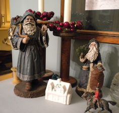 Sherri's Jubilee: Christmas Decorations at our House...Love the Old World Santas
